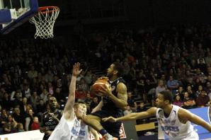 Worcester Wolves fight back to edge bottom club Manchester Giants